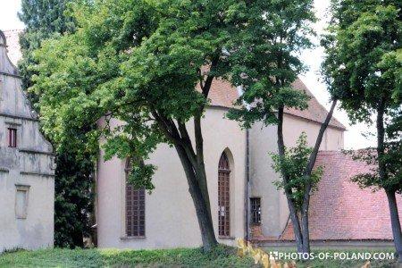 Siedlisko Polska zamek Karolat kaplica