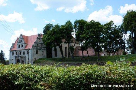 Siedlisko Polska zamek Karolat