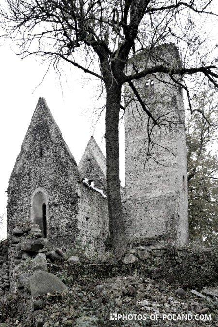 Złotnik ruina kościoła gotyckiego Polska lubuskie