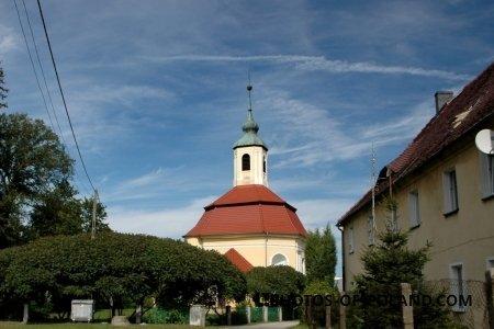 Małomice: Kościół polskokatolicki Pw. Matki Boskiej Nieustającej Pomocy