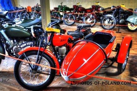 Chlewiska: Motorisation museum  Ariel 550 1929