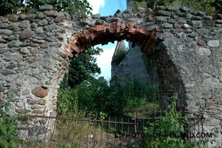 Złotnik: ruina kościoła gotyckiego